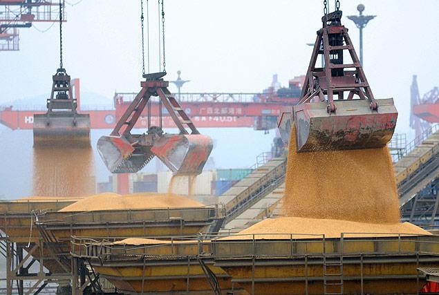 Balança comercial da China tem resultado melhor que o esperado em março | Folha de São Paulo