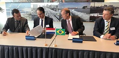 Governo do Ceará assina memorando de entendimento com o Porto do Roterdã