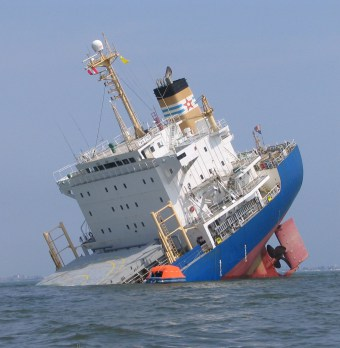 Acidentes ocorridos com cargueiros chamam a atenção de seguradoras   Portal Marítimo