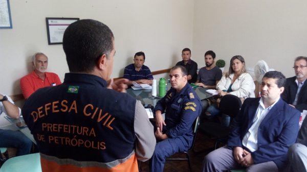 Grupos setoriais do Plano Inverno se reúnem na Defesa Civil de Petrópolis -RJ | A Voz de Petrópolis