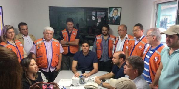 AL: Rui Palmeira coordena trabalhos da Defesa Civil em Maceió | Tribuna Hoje / Alagoas
