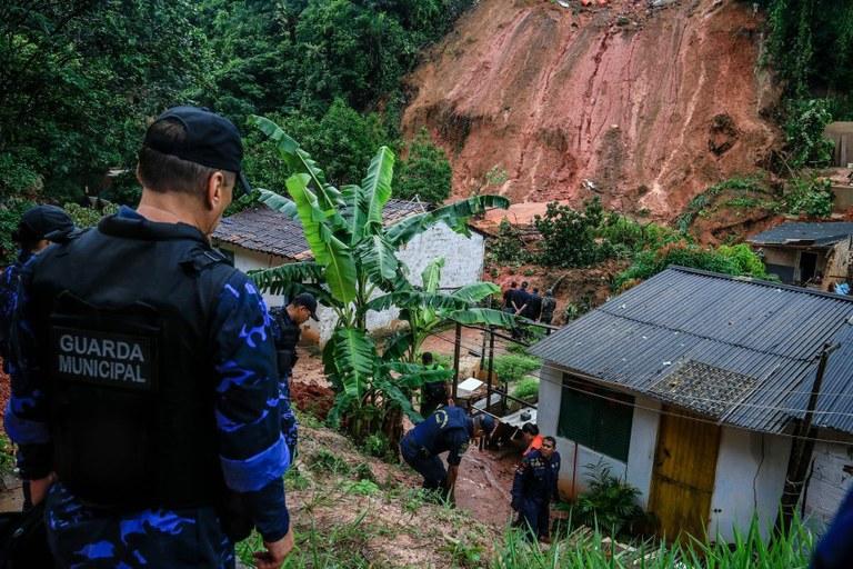 Defesa Civil está em Maceió para auxiliar nos danos causados pelas chuvas | Portal Brasil