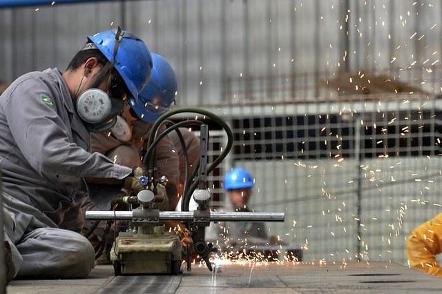 Produção industrial tem melhor 1º trimestre desde 2013 | Portal Brasil