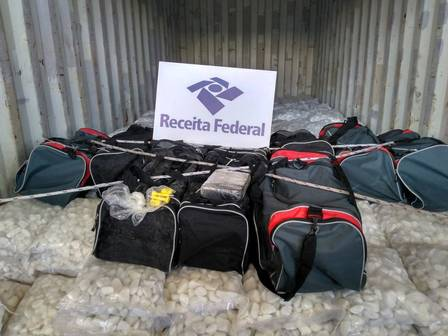 Receita Federal apreende mais de 500 kg de cocaína no Porto do Rio | Jornal Extra