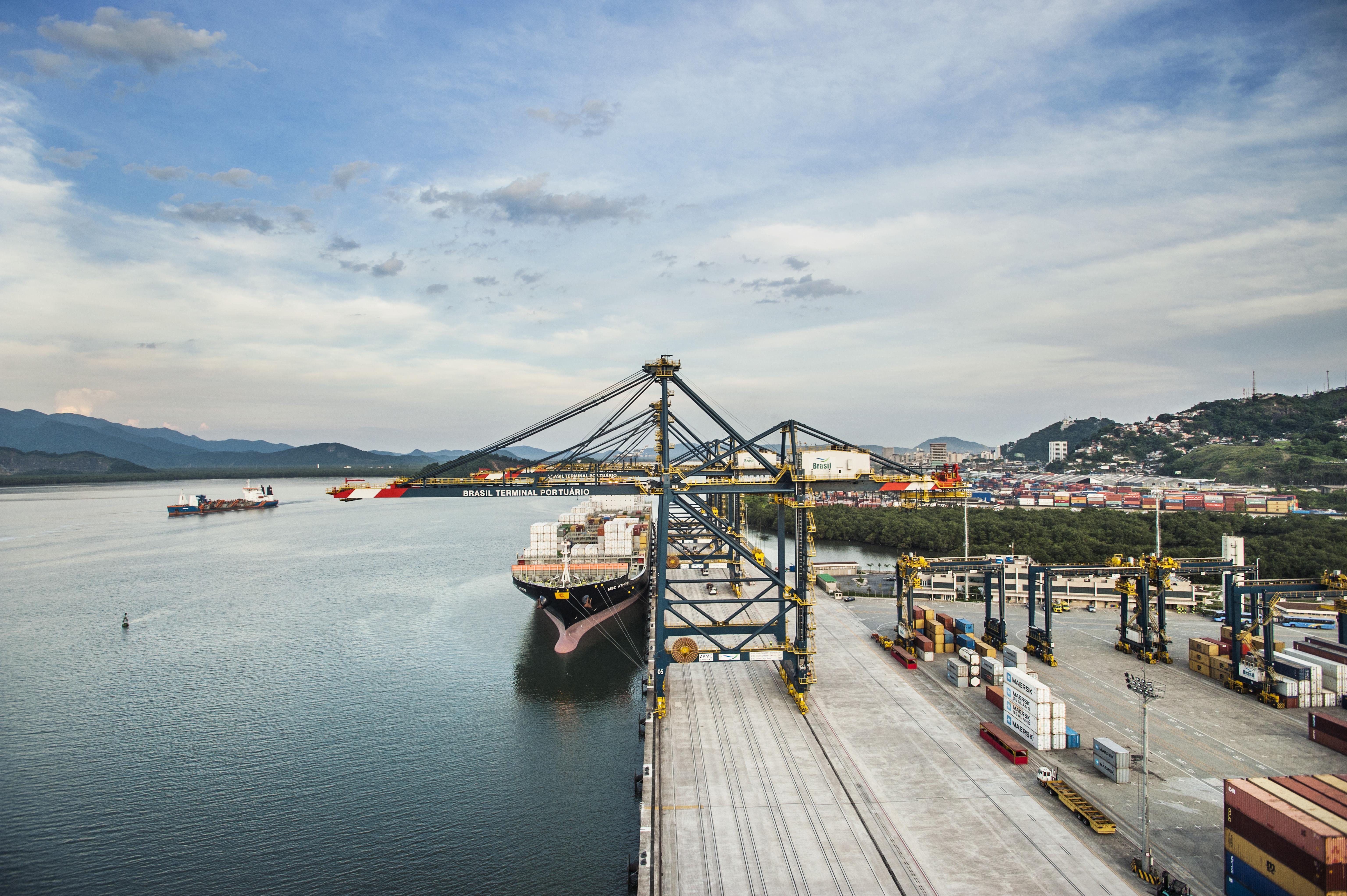 BTP bate novo recorde de produtividade | Brasil Terminal Portuário