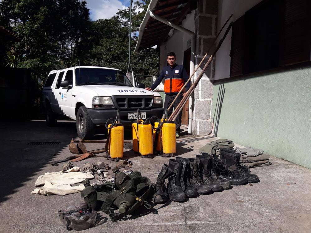 RJ – Guarnição de incêndio da Defesa Civil começa a ser montada | A Voz de Petrópolis