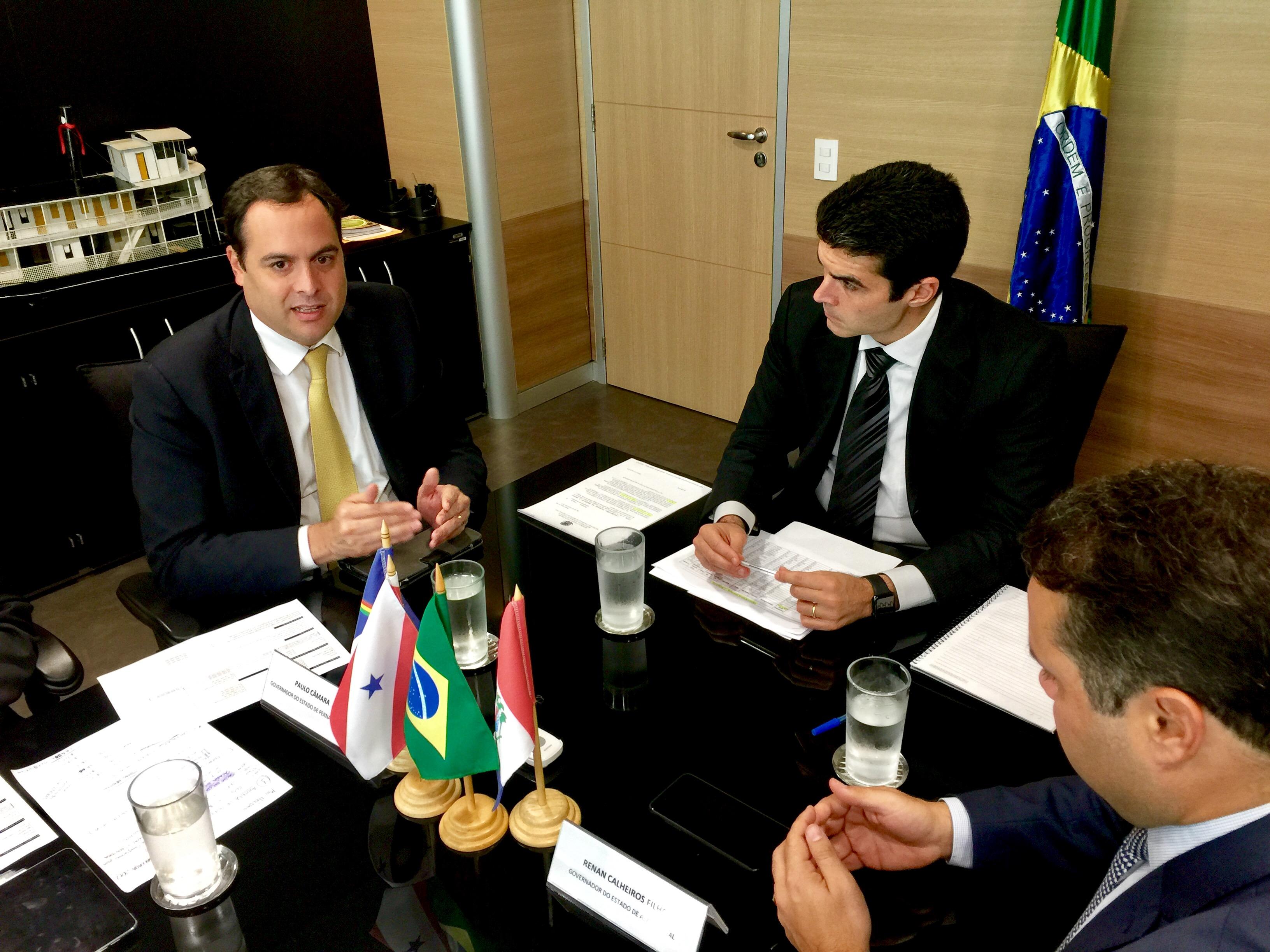 PE / AL: Paulo Câmara solicita liberação imediata de R$ 20,5 milhões e acerta reunião com Temer para conclusão de barragens | Governo de Pernambuco