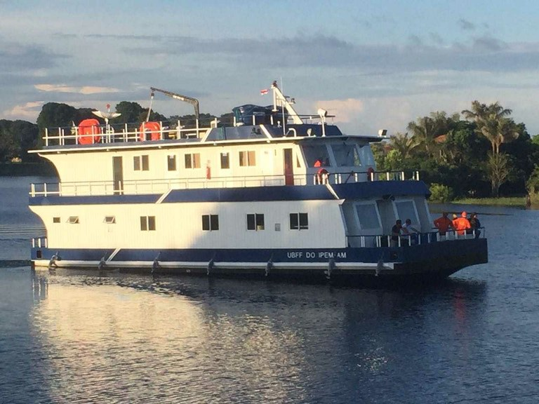 Amazonas recebe unidade fluvial de análise de mercadorias | Portal Brasil