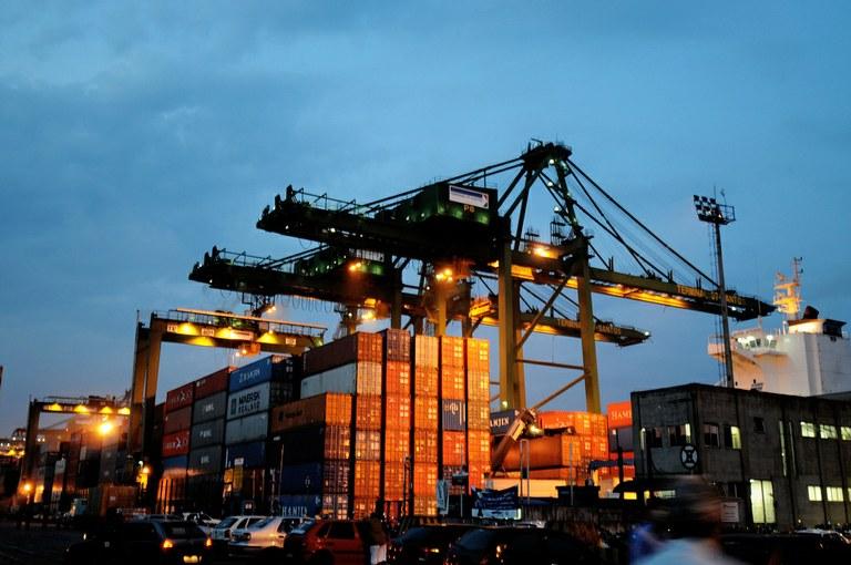 Porto de Santos bate recorde de transações em maio | Portal Brasil