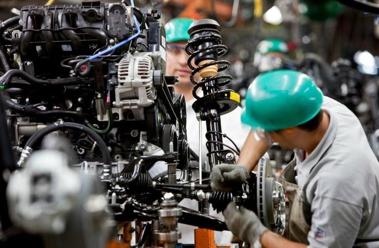 Diesel, carne, carros e petróleo são destaques do setor industrial | Portal Brasil