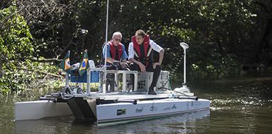 Pioneirismo: Ceará passa a utilizar barco robótico inédito no País para coleta e monitoramento ambiental | Governo do Ceará