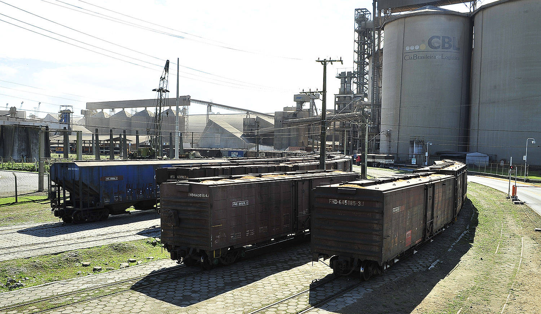 Descarga de grãos via ferrovia quase dobra em Paranaguá   Agência de Notícias do Paraná