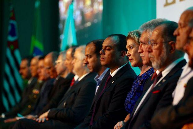 Abertura da Santos Export destaca dragagem e gargalo logístico | A Tribuna