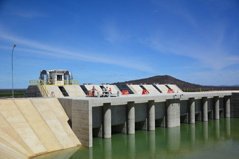 Águas do São Francisco chegam ao primeiro reservatório do Eixo Norte do Projeto | Portal Brasil